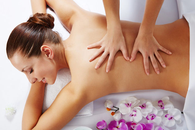 Full Body Massage Defence Colony in Delhi, NCR by Female to Male